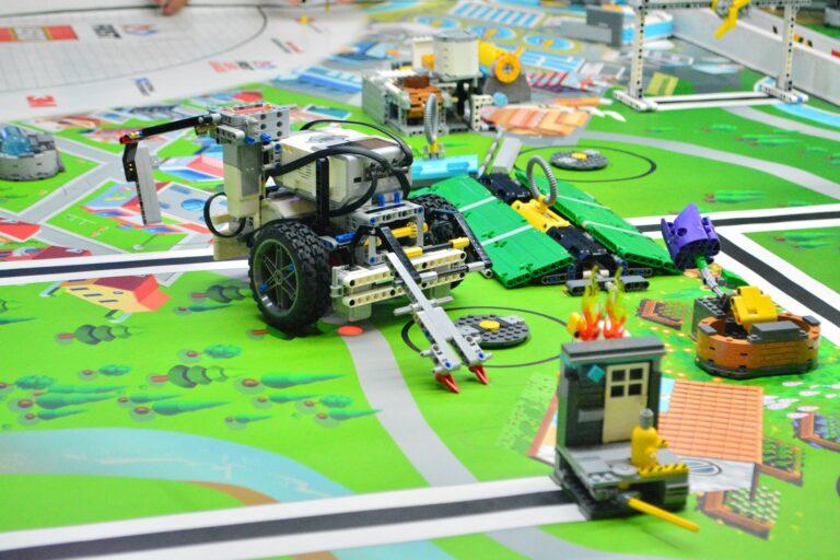 Zdalnie sterowany samochód na bazie LEGO Mindstorms EV3