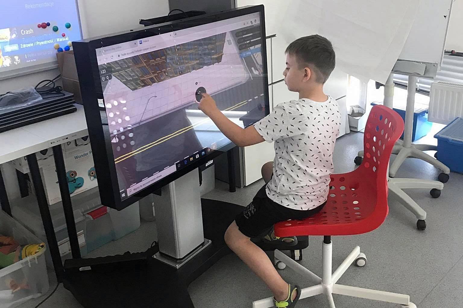 Półkolonie - Gry na interaktywnym monitorze