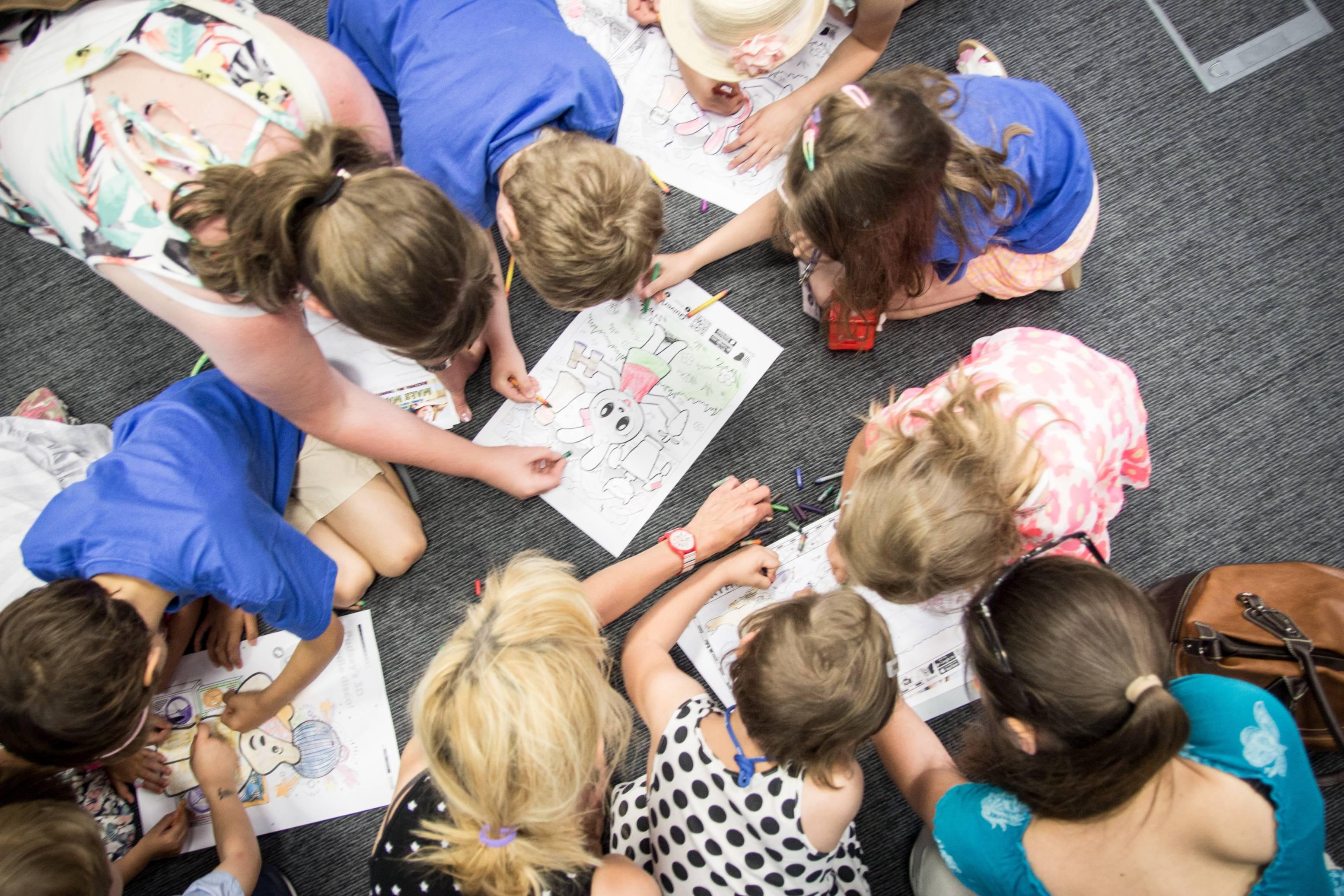 Uniwersytet Dziecięcy - Wspólne kolorowanie
