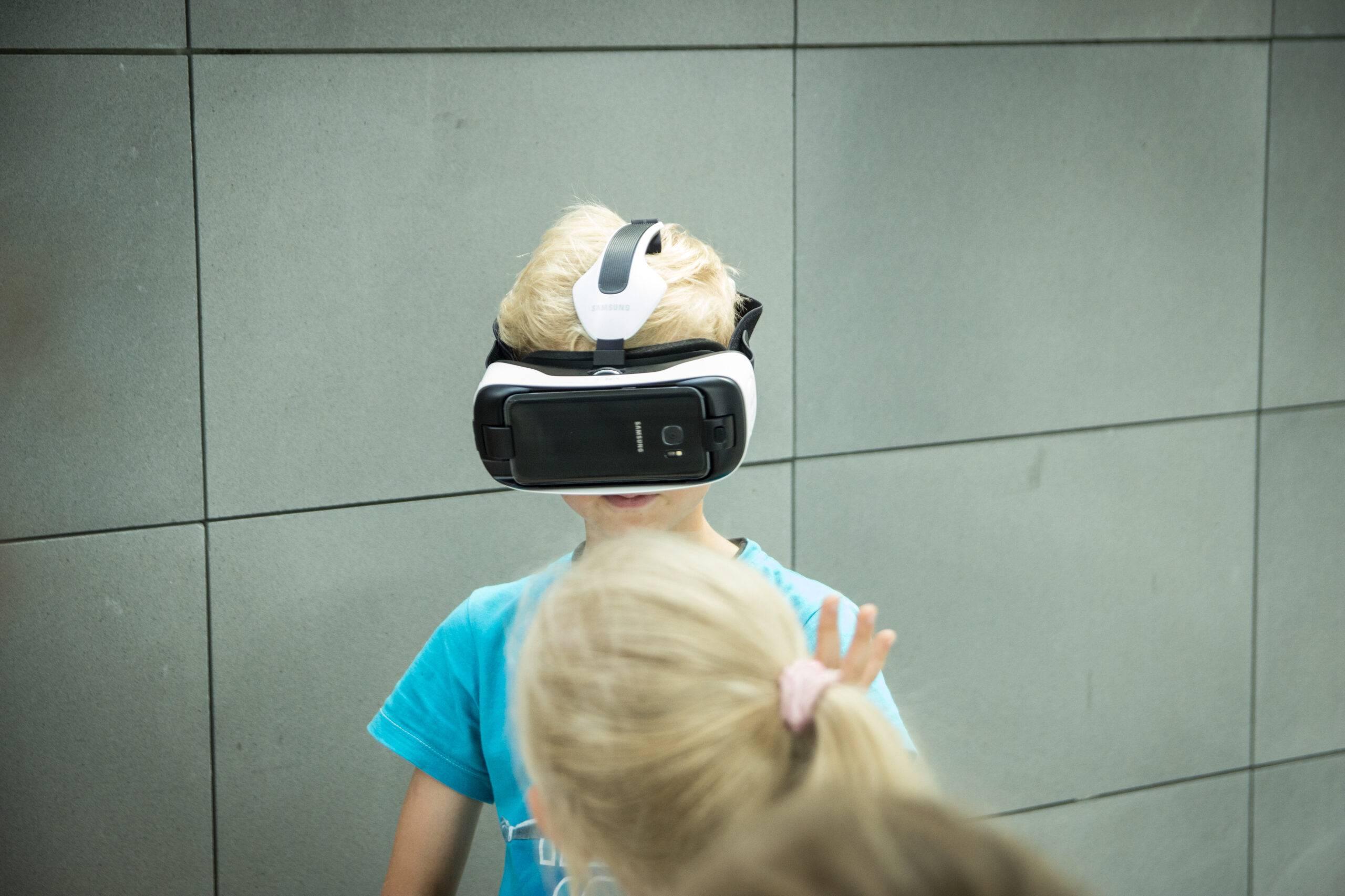 Uniwersytet Dziecięcy - Zadanie związane z wirtualną rzeczywistoscią