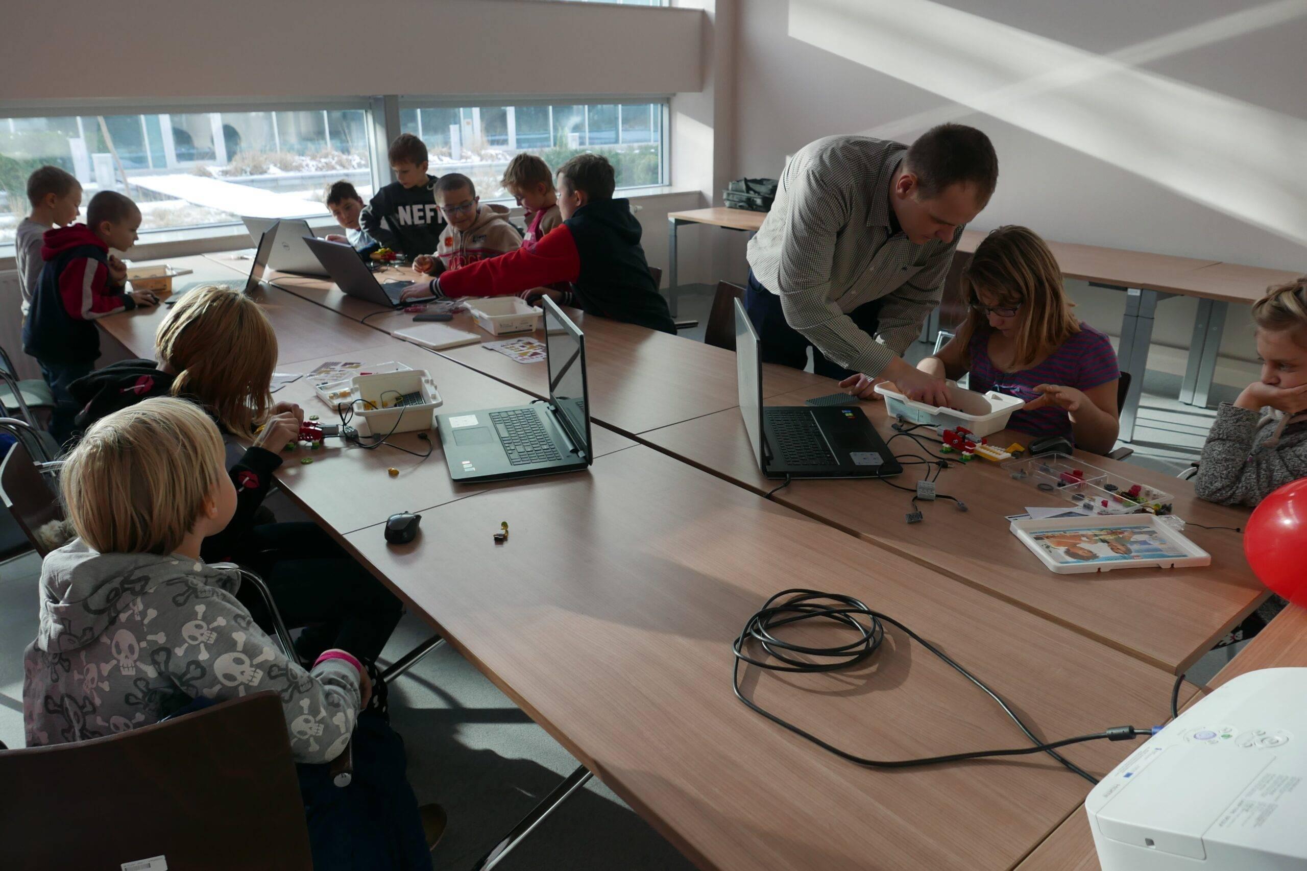 Uniwersytet Dziecięcy - Zajęcia z programowania