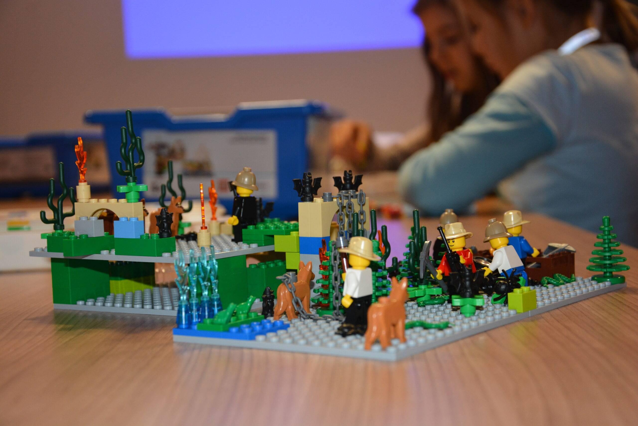 Uniwersytet Dziecięcy - Kraina z klocków Lego