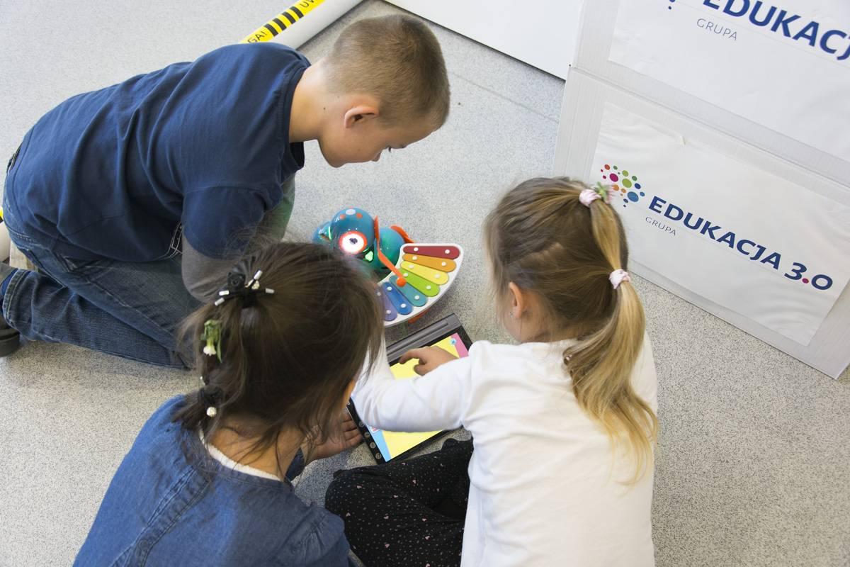 Uniwersytet Dziecięcy - Interaktywna zabawa z robotem Wonder'em