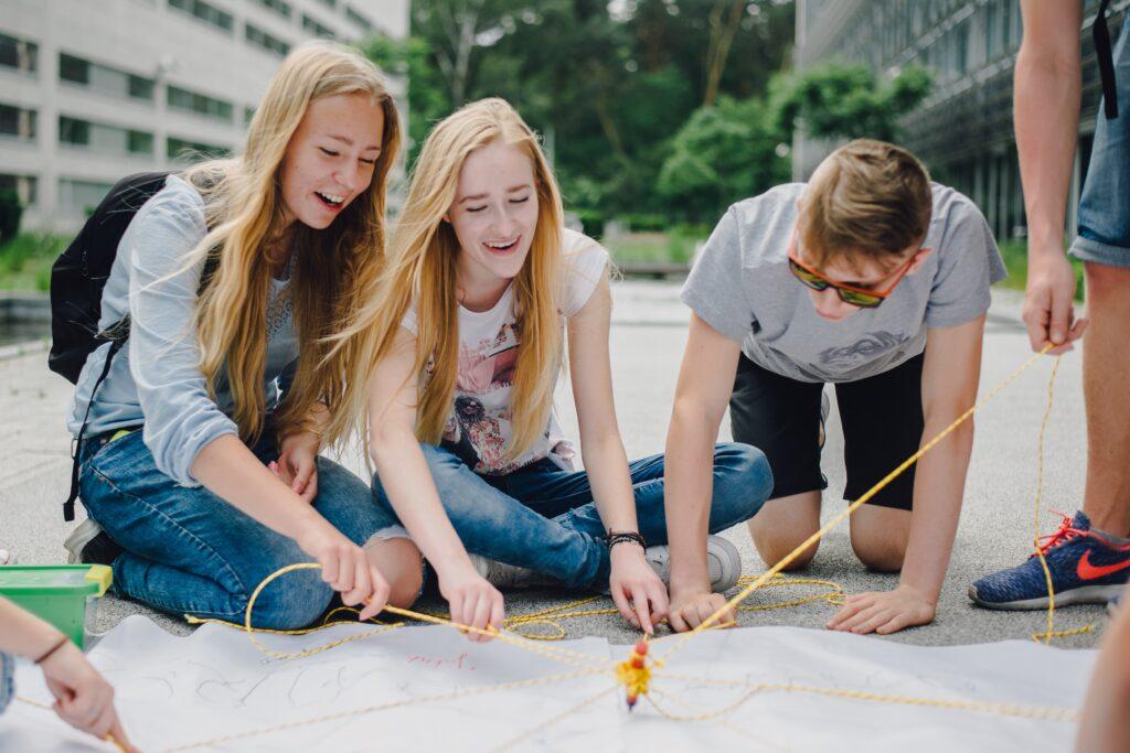 Gry terenowe - kreatywna współpraca